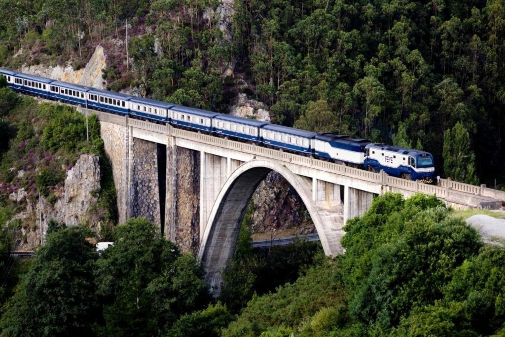 101364821142Train El Transcantabrico Luarca Bridge doc